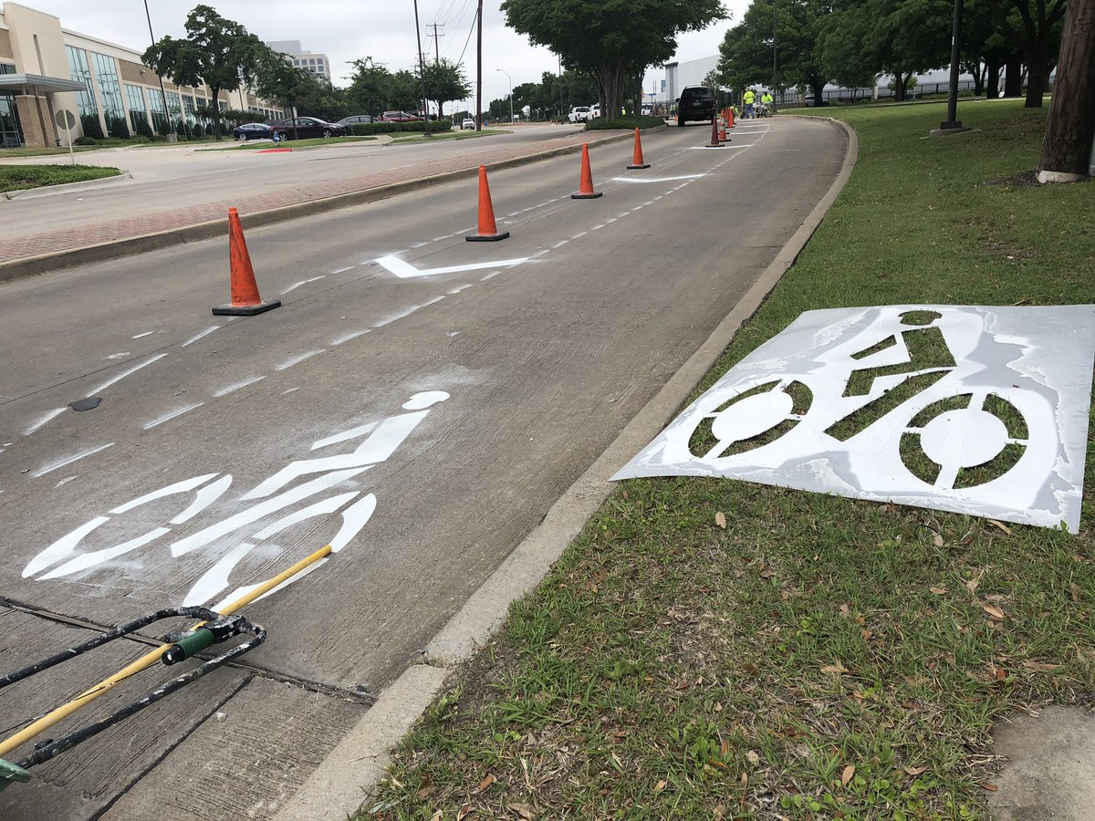 Demonstration Bike Lanes on Greenville Avenue Become Permanent
